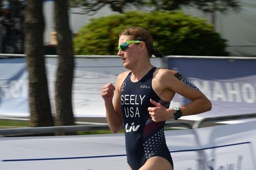 Allysa Seely, a Paralympic gold medalist, running at the 2019 Yokohama ITU World Paratriathlon Series